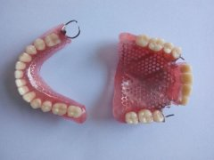 義齒上能否加假牙?